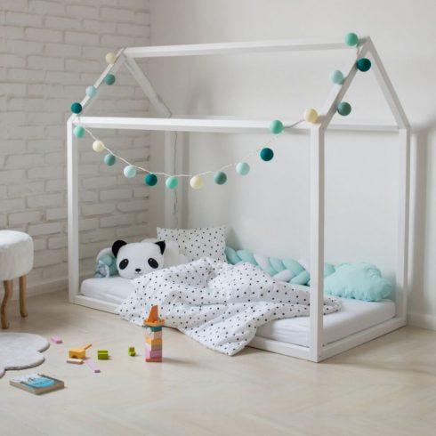 Házikó ágy montessori ágy gyerekeknek fehér fenyő leesésgátló opció